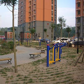 濮阳龙城花园北区5号户外路径健身区
